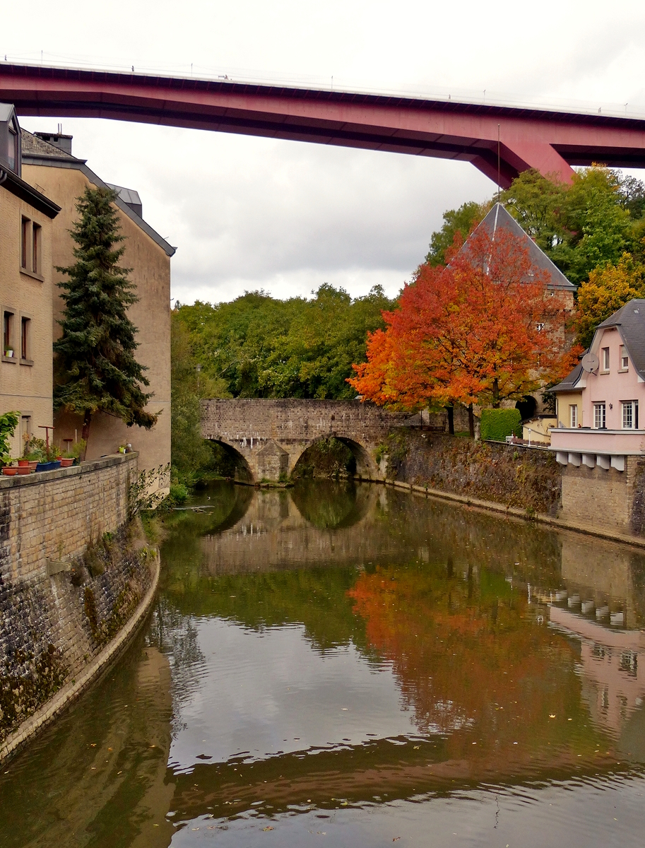 . Luxembourg Ville - Die Alzette im Herbst. 04.10.2017 (Jeanny)