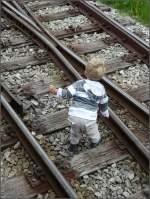 Diverses/5646/ob-er-mal-lokfuehrer-beim-verein Ob er mal Lokführer beim Verein Dampfbahn Furka Bergstrecke oder aber Naturgucker wird? 01.08.08 (Jeanny)