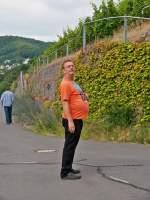 diverses/349881/-das-beste-was-das-moseltal . Das Beste, was das Moseltal zu bieten hat - 'Arbeitslose' Bahnfotografen in Hatzenport. 21.06.2014 (Jeanny)